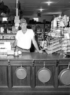 Celina, Tennessee: Old Store Counter